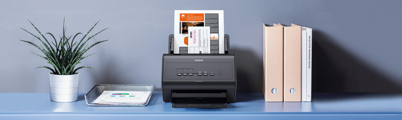 ADS-3000N scanner på bord