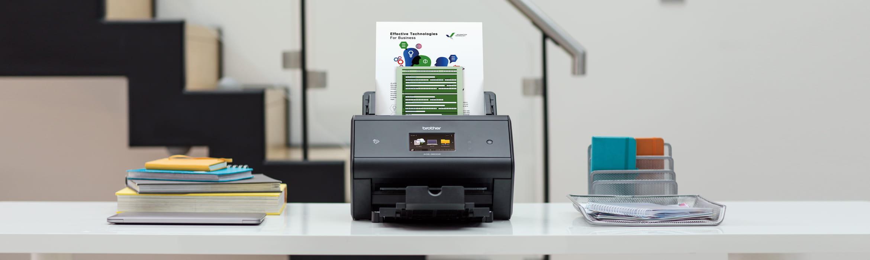 ADS-3600W scanner på bord
