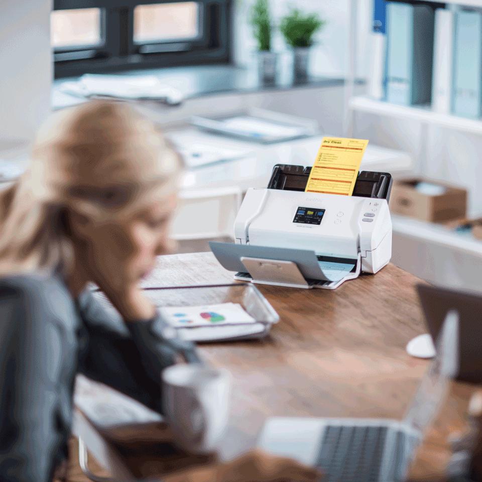 Brother ADS-2700W skrivebordsscanner med trådløst netværk 9