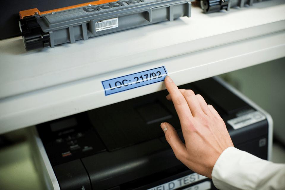 Original Brother TZe551 tape – sort på blå, 24 mm bred 4