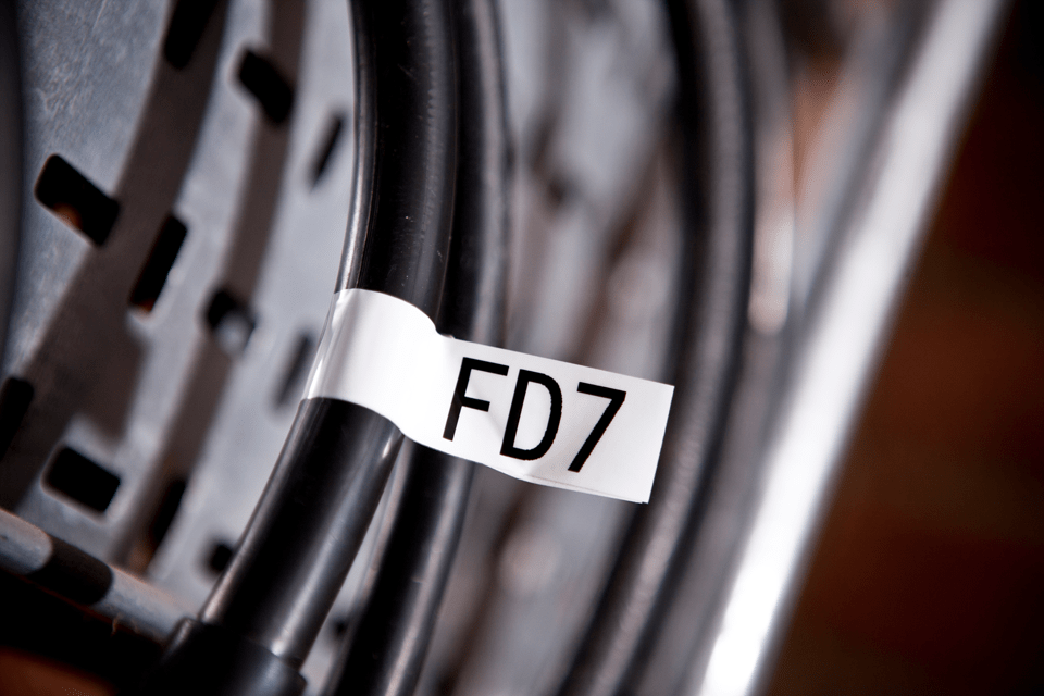 Original Brother TZeFX251 flexible tape – sort på hvid, 24 mm bred 4