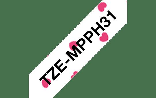 Original Brother TZe-MPPH31 tape – sort på lyserøde hjerter, 12 mm bred 3
