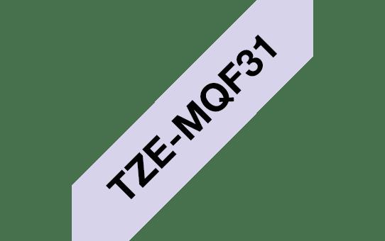 Original Brother TZeMQF31 tape – sort på pastellilla, 12 mm bred 3
