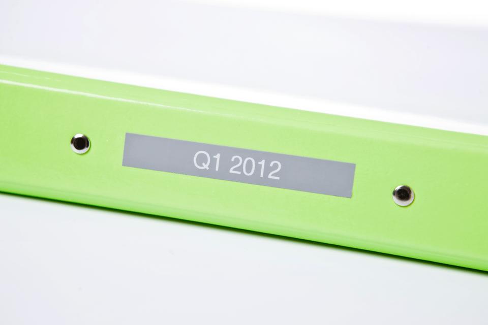 Original Brother TZe-MQL35 tape – hvid på grå 12 mm bred 4